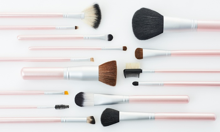 Beaute Basics 15-Piece Makeup Brush Set: $24.99 for a Beaute Basics 15-Piece Makeup Brush Set with Professional PVC Case ($129.95 List Price). Free Shipping.