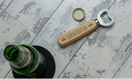1 o 2 abridores de madera grabados con mensaje personalizado desde 4,99 € en Personalised Gift Market