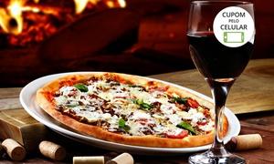 Rovereto Pizza na Pedra: Rovereto Pizza na Pedra - Águas Claras: 1 pizza grande tradicional + 2 taças de vinho para 2 pessoas