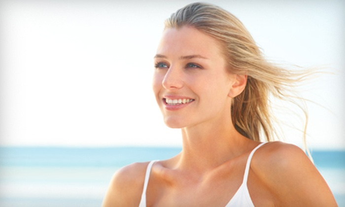 Revitalization Medical Institute - Downtown Partnership: BMI Analysis with One or Four B12 Injections at Revitalization Medical Institute in Sarasota (Up to 80% Off)
