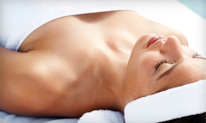 Beauty Jewel Spa & Laser Skin Care Center - Greenwich Village: $48 for 60-Minute Body Wrap of Your Choice ($110 Value). 120-Minute Spa Packages Including Facial and Massage for One and Two People Also Available.