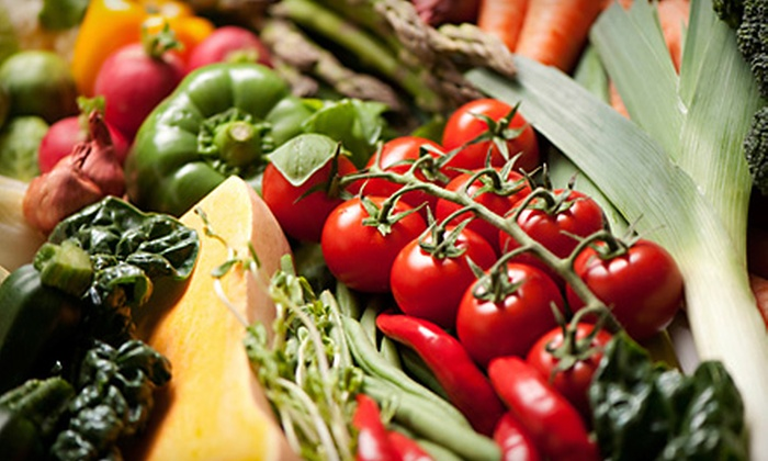 Dave's Fresh Produce - Southport: $20 for a Vierra Farms Fruit and Vegetable Sample Pack at Dave's Produce in West Sacramento ($40 Value)