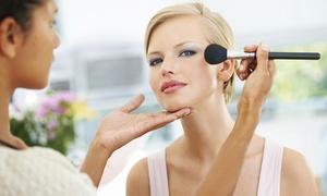 Visagistin und Make up Stylistin: Make-up-Workshop für 1 oder 2 Personen bei Visagistin und Make-up StylistinLucia Bugea (bis zu 83% sparen*)