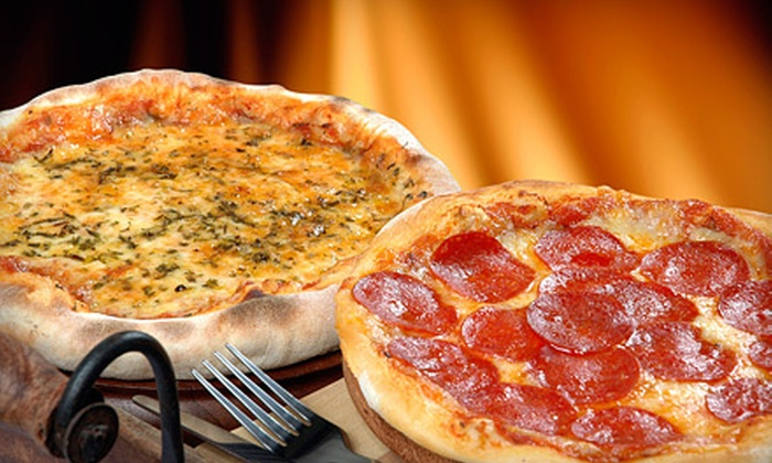 Ranelli's Deli and Cafe - Five Points South: $12 for a Pizza Meal with Garlic or Cheesy Garlic Bread for Four at Ranelli's Deli and Cafe (Up to $25.15 Value)