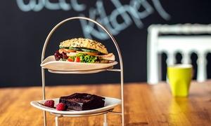 Schwerelos - well kitchen: Sonntagsbrunch für Zwei oder Vier bei Schwerelos – well kitchen (bis zu 47% sparen*)