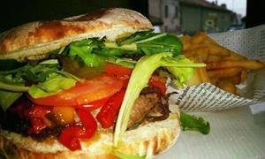 Manhattan Pub: Menu hamburger con bevanda a scelta per 2, 4 o 6 persone daManhattan Burger (sconto fino a 57%)