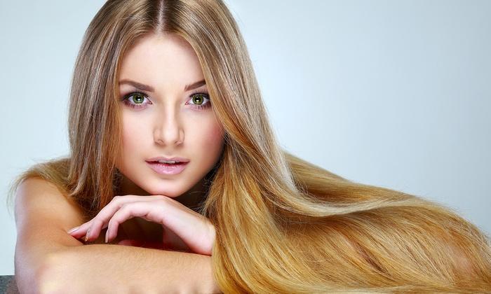 Seduta di bellezza con taglio capelli o in più colore, trattamenti e massaggio (sconto fino a 83%)