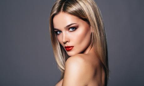 Sesión integral de peluquería con opción extra de tinte o mechas desde 14,95 € en Instyle