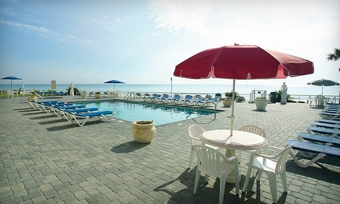 Emerald Shores Hotel - Daytona Beach: $55 for a One-Night Stay at Emerald Shores Hotel ($109 Average Value)