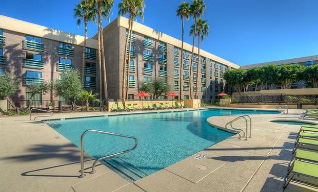 Radisson Hotel Phoenix North - Phoenix, AZ: Stay at Radisson Hotel Phoenix North in Arizona, with Dates into January