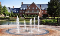 Colonial-Themed Resort in Virginia Beach
