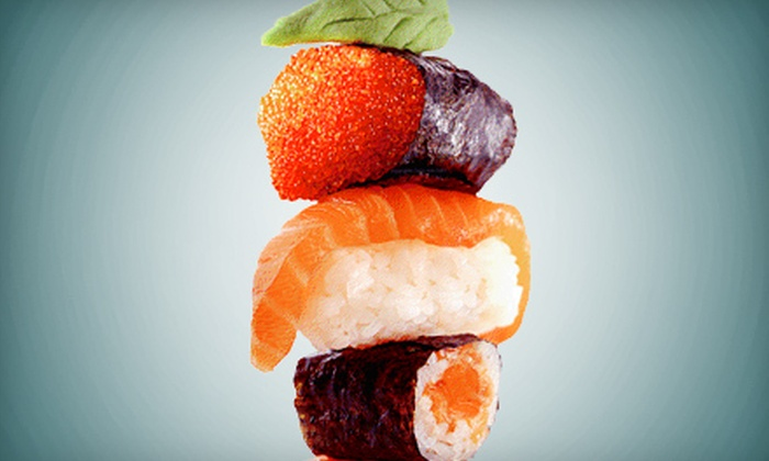 Sumo Lounge - Downtown: $20 for $40 Worth of Sushi, Japanese Cuisine, and Drinks for Dinner at Sumo Lounge