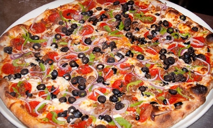 Giannoni's Pizzeria - Roxhill: $5 for $10 Worth of Pizza, Breadsticks, and More at Giannoni's Pizzeria