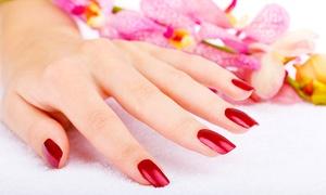 Dina Styliste ongulaire: Beauté des mains avec pose vernis simple ou semi-permanent ou remplissage gel dès 18 € chez Dina Styliste ongulaire