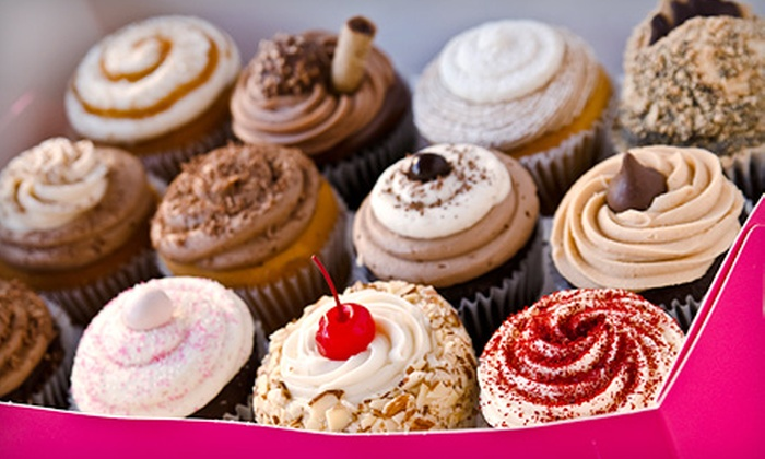 Cupcake À La Mode - Multiple Locations: $11 for $20 Worth of Gourmet Cupcakes at Cupcake Á La Mode