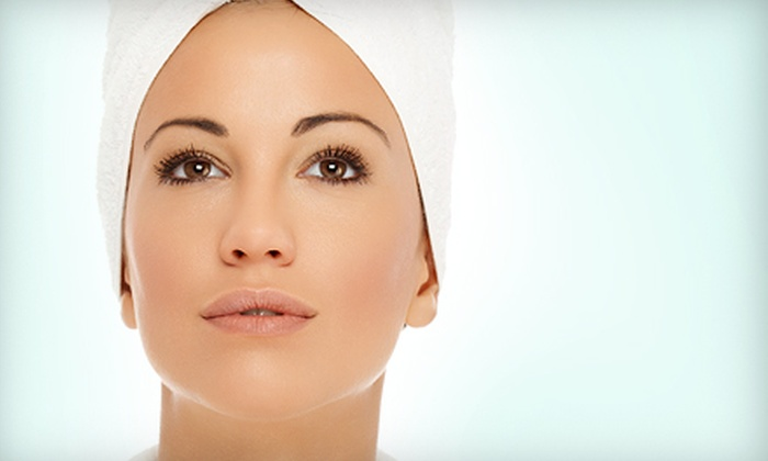Skinplicity LaNeese - Tempe: $69 for a Microcurrent Lift and an Age-Defying Facial at Skinplicity LaNeese in Tempe ($140 Value)