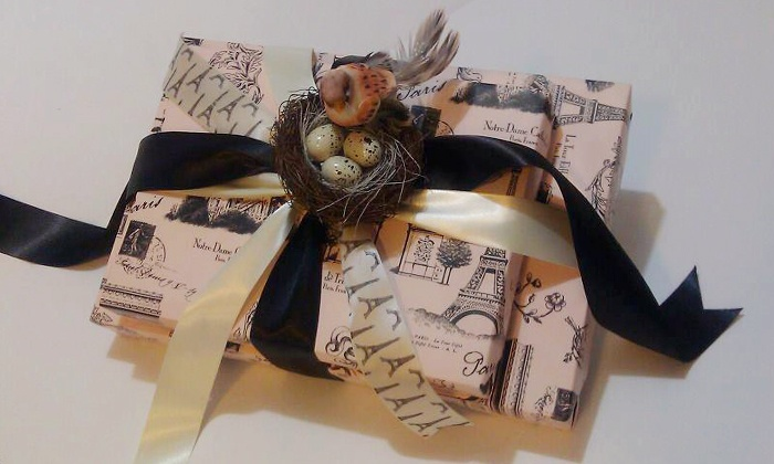 That's a Wrap! - Kirkwood: $11 for $20 Worth of Creative Professional Gift Wrapping at That's a Wrap!