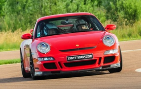 Drift n'Grip: 4, 6 ou 8 tours de pilotage sur circuit pour 1 personne dès 59,90 € avec Drift N'Grip