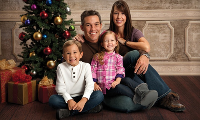 Picture People - Oak View Mall: $16 for Eight Color Portrait Sheets ($144 Value) Plus Photo Shoot at Picture People
