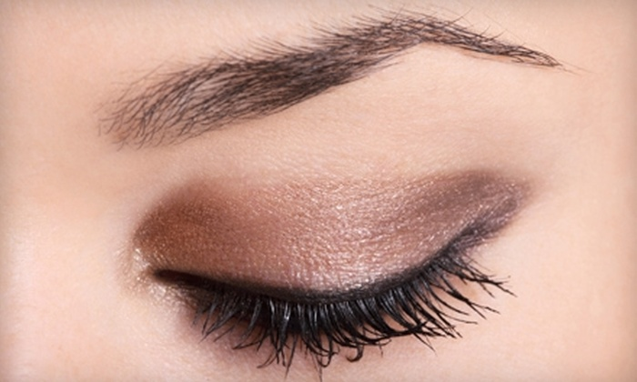 Gigi's - Portland: $10 for Eyebrow Threading ($20 Value) or $20 for Arm Sugaring Treatment ($40 Value) at Gigi's