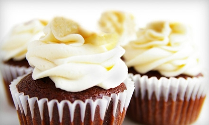 It's a Piece of Cake by Maggi - Downtown Auburndale: $6 for a Dozen Cupcakes at It's a Piece of Cake by Maggi ($12 value)