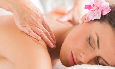 60 Min. Wellness-Kombimassage nach Wahl mit Getränk und Joghurt für 1 od. 2 bei Massage & Erholung (bis zu 66% sparen*)