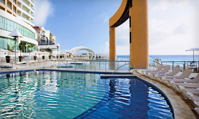 Beach Palace Cancun All-Inclusive Trip with Airfare: All-Inclusive Vacation to Beach Palace Cancun with Airfare
