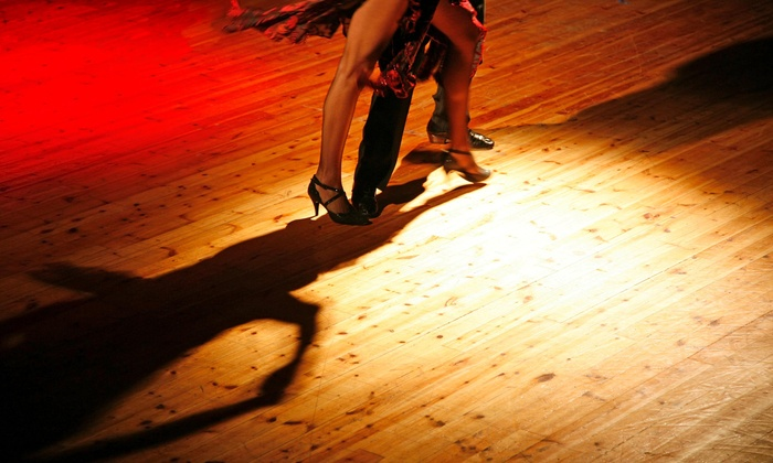 Miami Dance lovers - Flamingo / Lummus: $24 for One Salsa Dance Class with Drink & Food discounts, Dance Party & Live DJ $60  — Miami Dance Lovers