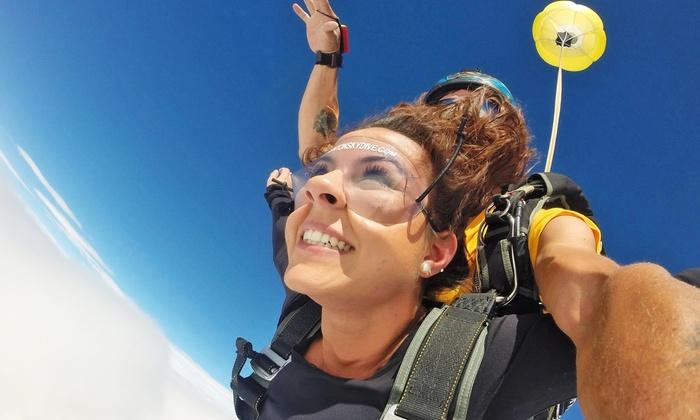 Edmonton Skydive - Edmonton Skydive Centre: Tandem Jumps at Edmonton Skydive Centre (Up to 41% Off). Three Options Available.