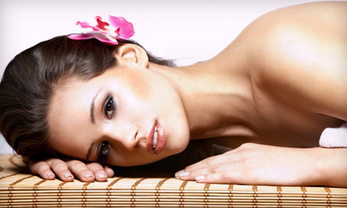 Azure Nail & Waxing Studio - Gold Coast,Gold Cost,Near North Side: Eyebrow Waxing (a $20 value)