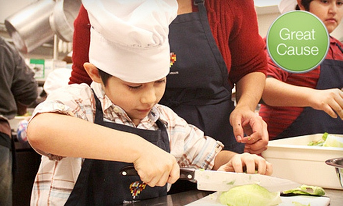 Common Threads - Mexico City DF: If 160 People Donate $10, Then Common Threads Can Provide One Family Matters Class to Promote Healthful Eating Habits