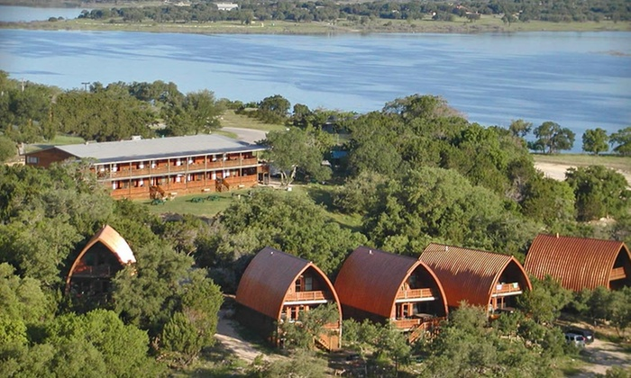 Canyon Lakeview Resort - Canyon Lake, TX: Two-Night Stay with Wine Tasting for Two at Canyon Lakeview Resort in Canyon Lake, TX