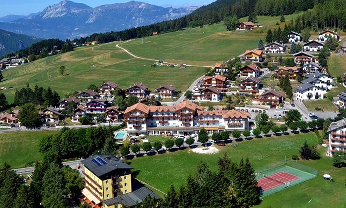 Alpen hotel eghel in folgaria fraz costa groupon getaways - Hotel folgaria con piscina ...