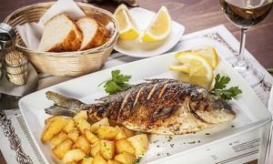 La Lanterna (Fiumicino): Menu di mare con grigliata mista e bottiglia di vino per 2 persone al ristorante La Lanterna di Fiumicino (sconto 59%)