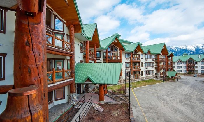 Lizard Creek Lodge - Fernie, BC: 2-Night Stay for Up to Six in a One- or Two-Bedroom Suite at Lizard Creek Lodge in Fernie, BC