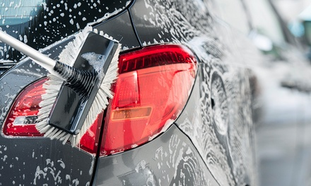Car Wash: Express ($15), Platinum ($27) or Mini Detail Package ($49) at Snap Car Wash - Wollongong (Up to $95 Value)