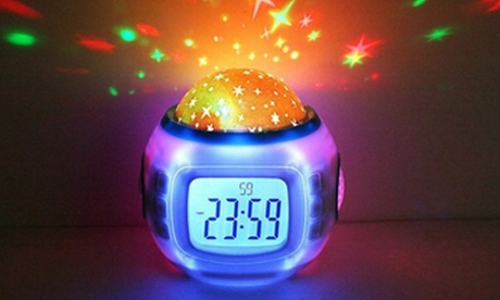 Despertador digital con proyector y 10 melodías diferentes por 9,99 € (68% de descuento) Oferta en Groupon