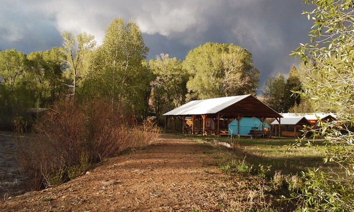Elkhorn Lodge Chama - Chama, New Mexico : 2-Night Stay at Elkhorn Lodge Chama in New Mexico. Combine Up to 6 Nights.