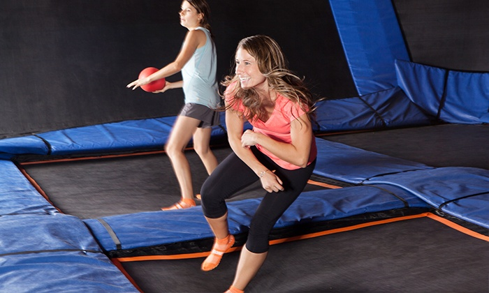Sky Zone Kansas City - Countryside West: $18 for One 60-Minute Open-Jump Session for Two with Sky Socks at Sky Zone Kansas City ($28 Value)
