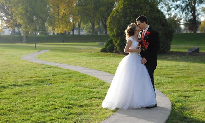 Illuminated Grace - Boise: Wedding-Photography Package or Family Shoot from Illuminated Grace (Up to 53% Off). Four Options Available.