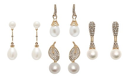 Natural Sea Shell Pearl Earrings with Austrian Crystals