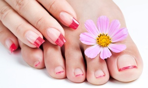 Beauty Club: Wybrany manicure (29,99 zł) lub pedicure spa (39,99 zł) w Beauty Club
