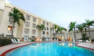 Holiday Inn Fort Myers Downtown Historic: Stay with Daily Breakfast for Two at Holiday Inn Fort Myers Downtown Historic in Fort Myers, FL. Dates into July.