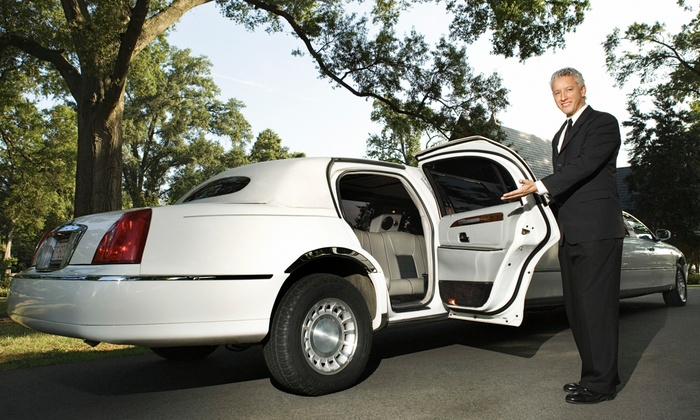 Federal Limousine - Crystal Creek Ridge: Three-Hour BYOB Ride for Up to 20 in a Ford Excursion Limo or Party Bus from Federal Limousine (Up to 53% Off)