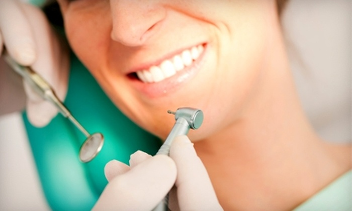 Atlanta Dental Center - Midtown: $49 for an Exam, X-Rays, and Diagnostic Photos ($460 Value) and $1,500 Toward Veneers or Crowns at Atlanta Dental Center