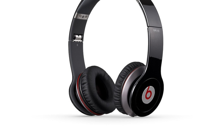 casque audio beats hd by dr dre reconditionn groupon. Black Bedroom Furniture Sets. Home Design Ideas