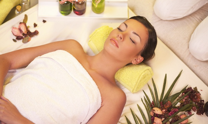 Luce Skincare - Loma Portal: Honey Cider Hydration Wrap or Cinasweet Milk Massage at Luce Skincare (Up to 72% Off)