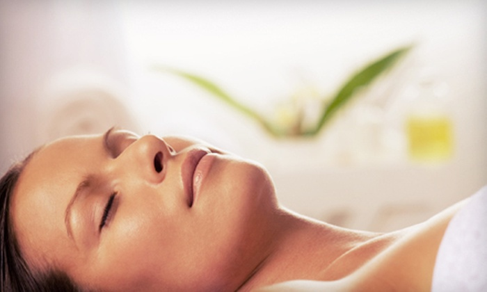Grosse Pointe Eye Center and Med Spa - Grosse Pointe Woods: One, Three, or Five Glycolic Peels at Grosse Pointe Eye Center and Med Spa in Grosse Pointe Woods (Up to 60% Off)