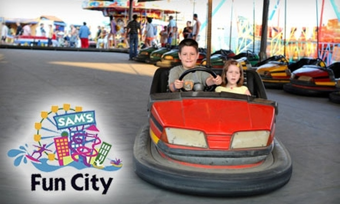 "Sam's Fun City - Northwest Pensacola: $16 for a ""Keys to the City"" Wristband at Sam's Fun City ($32.95 Value)"