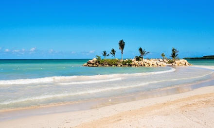 5- or 6-Night Royalton White Sands Resort Stay w/ Airfare. Includes Taxes & Fees. Price/Person Based on Double Occupancy